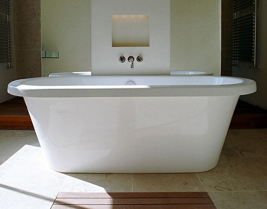 Guest Bathroom Bath Tub