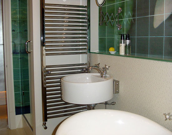 Bathroom Sink Towel Heater